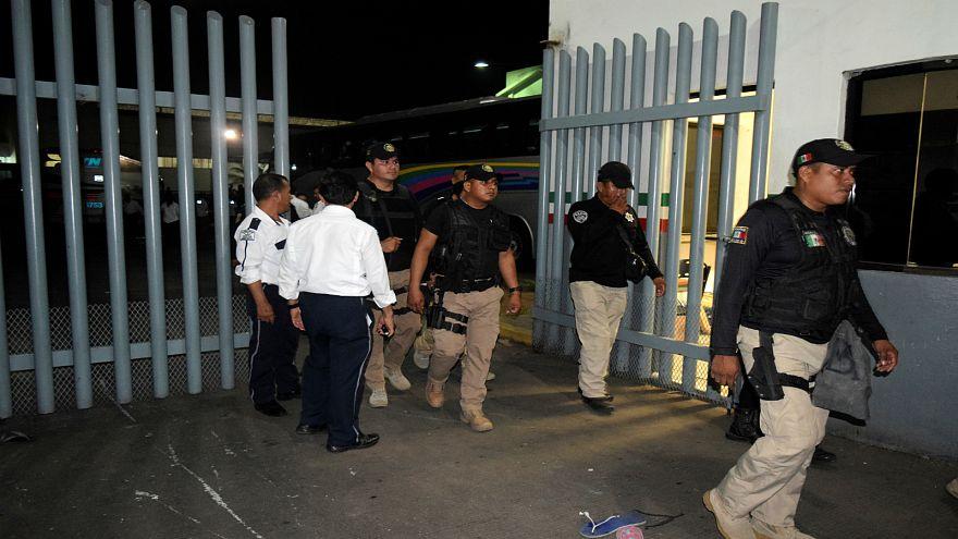 نحو 1300 مهاجر يفرون من مركز احتجاز مكتظ جنوب المكسيك