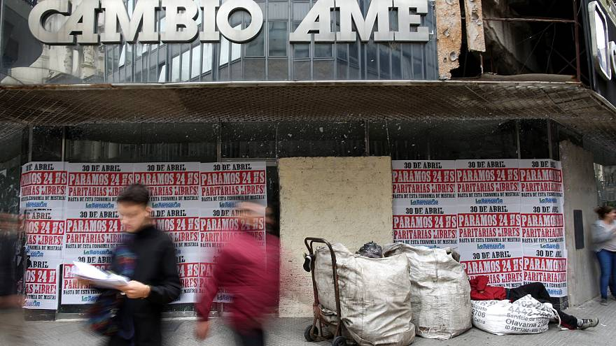 La economía argentina se viste de luto