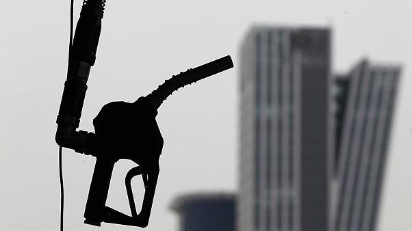 Türkiye, İran'dan petrol almaya devam etmek için ABD'yi iknaya çalışıyor