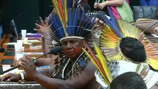 السكان الأصليون في البرازيل يواصلون التظاهر من أجل مزيد من الحقوق