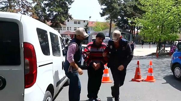 بعد اعتقاله شمال تركيا .. سوري متهم بالتخطيط لهجمات انتحارية يمثل أمام المحكمة