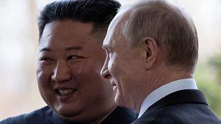 الرئيس الروسي فلاديمير بوتين وزعيم كوريا الشمالية كيم جونغ أون في روسيا