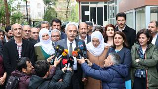 HDP'li Mızraklı: 'AKP'li kayyum döneminde 1 ton 600 kg fıstıklı kadayıf yemişler'