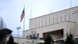 ABD Konsolosluğu çalışanı üçüncü bir kişi hakkında terör örgütü üyeliği suçlamasıyla dava açıldı