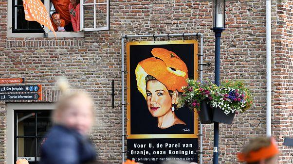 Hollanda'da yaşayan iki Türk kraliyet nişanına layık görüldü