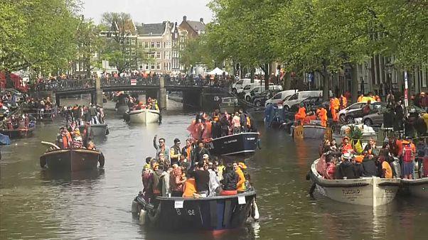 شاهد: هولندا تحتفل بالذكرى الثانية والخمسين لميلاد ملكها