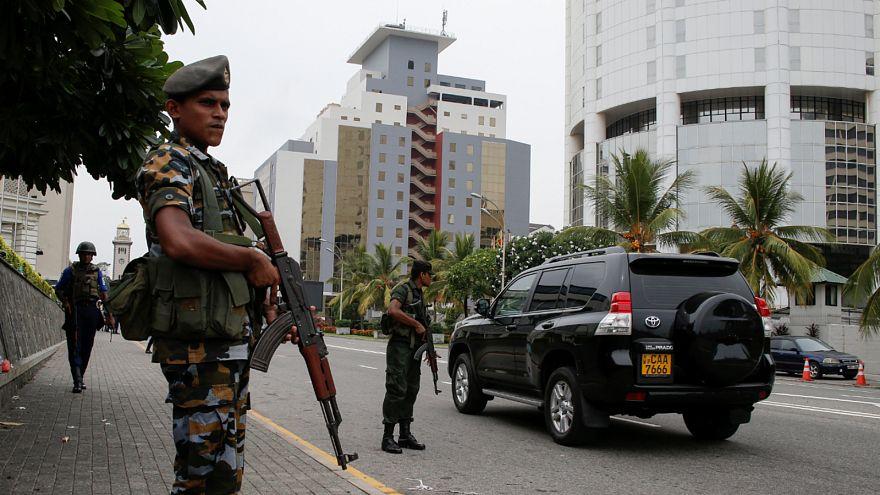 سريلانكا: رغم دعوته إلى الاستقالة من قبل رئيس البلاد.. قائد الشرطة يرفض الاستقالة