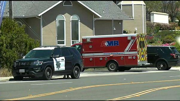Usa: spari alla sinagoga, morta una donna. Tre feriti