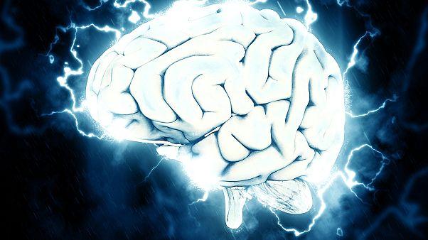 دراسة: جهاز قادر على فك شيفرة الدماغ وإعادة القدرة على الكلام إلى فاقديه