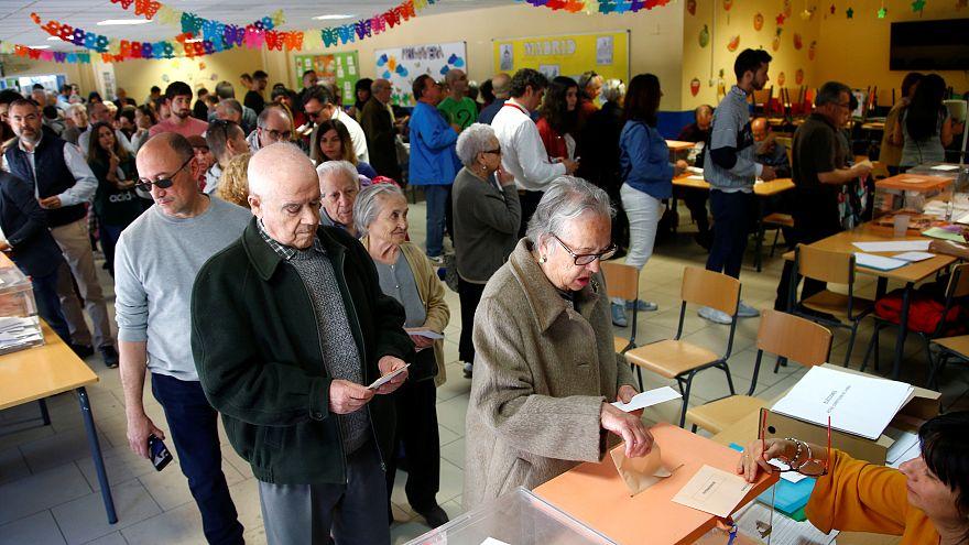 España se vuelca en las urnas: La participación es de 60,6%  a las 18:00, 9 puntos más que en 2016
