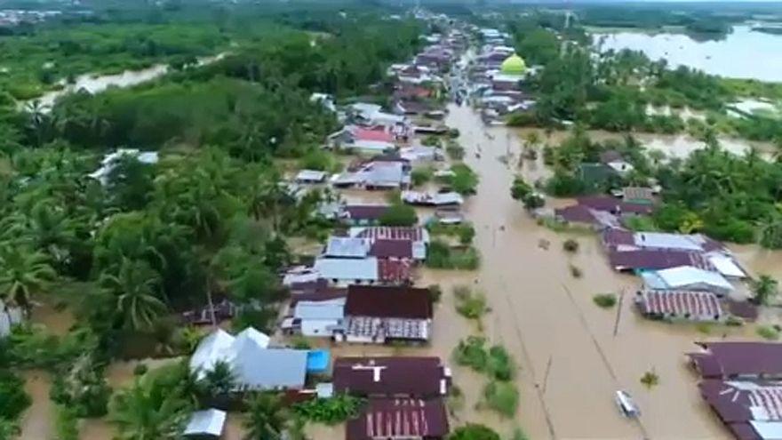 Halálos áradások Szumátrán
