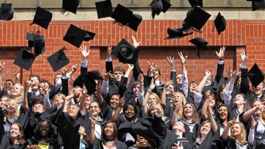Brexit sonrası yabancı öğrenciler için İngiltere'de eğitim daha pahalı olabilir