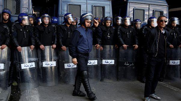 وزير مالية الجزائر والمدير العام السابق للأمن الوطني يمثلان أمام القضاء