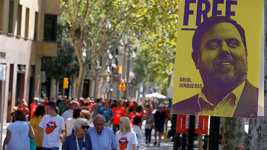 İspanya'da cezaevinde bulunan 5 Katalan politikacı seçimlerde parlamentoya girmeye hak kazandı