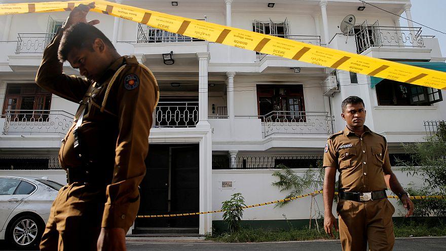 رئيس سريلانكا يعين وزيرا جديدا للدفاع وسط تحذيرات من هجمات جديدة