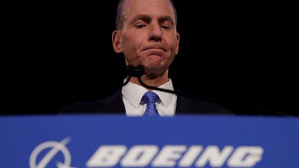 Boeing-vezér a részvényeseknek: nagyon sajnáljuk