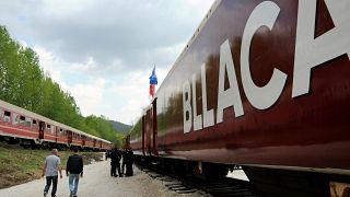 Zug, der Albaner 1999 aus dem Kosovo nach Nordmazedonien transportierte