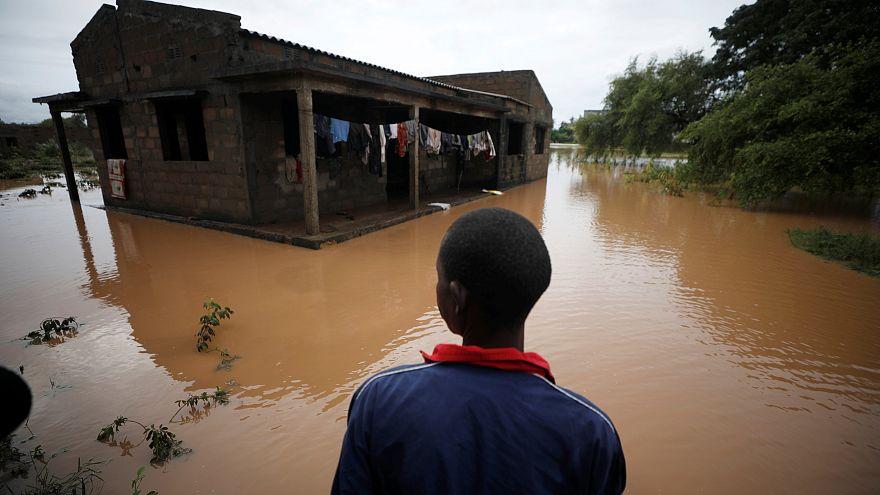 A la recherche des survivants au Mozambique après le second cyclone