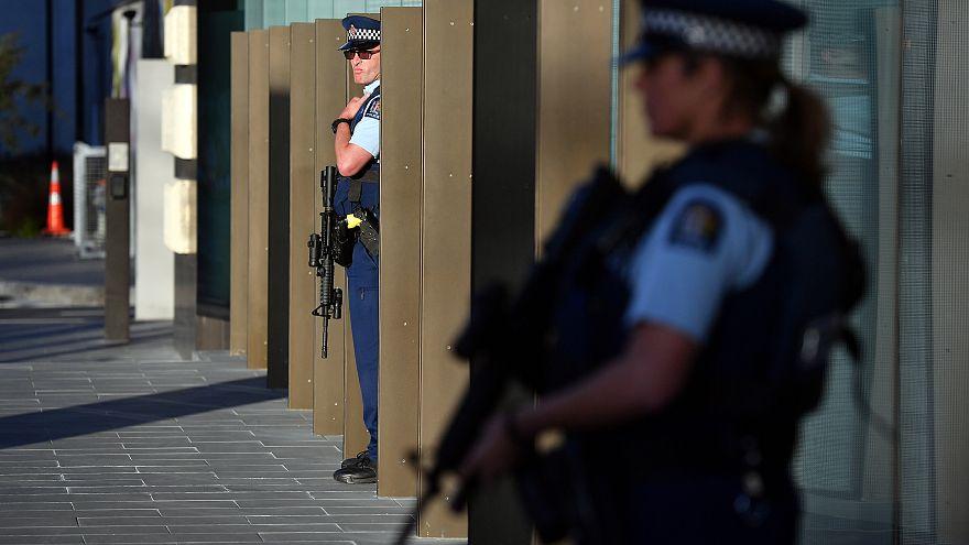 شرطة نيوزيلندا تبطل مفعول عبوة مريبة داخل حقيبة في مدينة مذبحة المسجدين