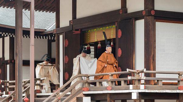 Császár- és korszakváltás Japánban