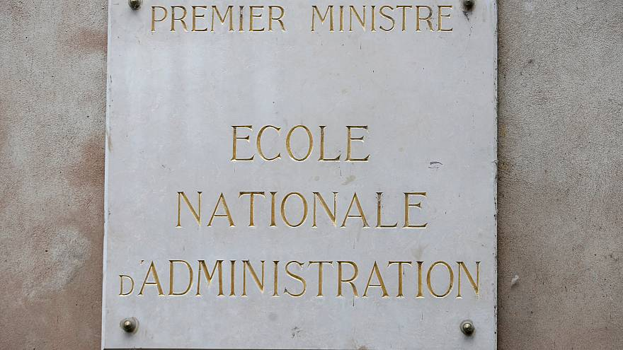 Macron chiude l'Ena? Come funzionano le scuole per l'amministrazione in Europa