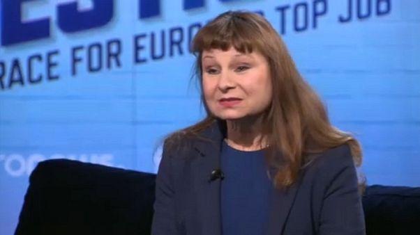 Raw Politics - Fragen an die Spitzenkandidatin der Europäischen Linken