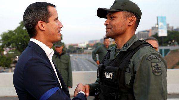 Venezuela: katonai puccsra szólított fel Juan Guaidó ellenzéki vezető
