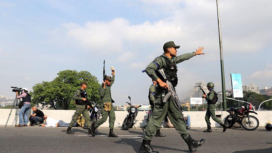 Militares con Guaidó: Twitter arde con reacciones