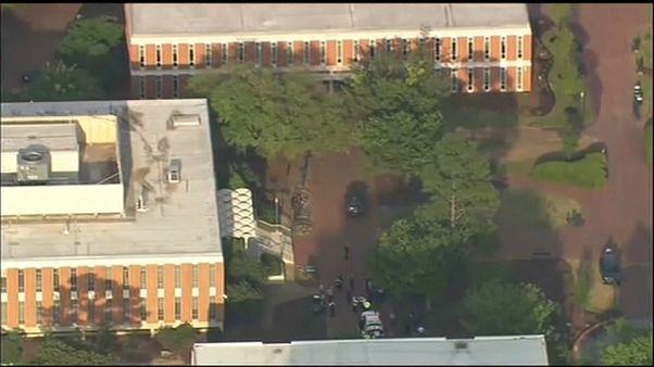 Dos muertos y cuatro heridos en un tiroteo en la Universidad de Carolina del Norte