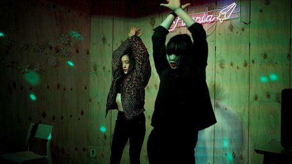 Video | K-pop kültürüne kapılan Japon gençlerin Güney Kore yolculuğu