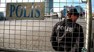 1 Mayıs Bayramı için Taksim Meydanı'na giden yollar trafiğe kapatıldı