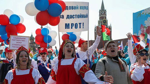 Первомай в России: праздник труда и задержания