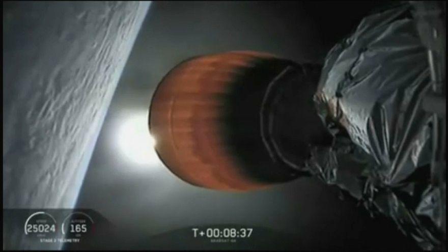 Uluslararası Uzay İstasyonu'nda önemli elektrik arızası: SpaceX'in ikmal görevi ertelendi