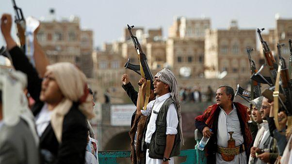 یمن؛ درخواست عفو بین الملل از حوثی ها برای آزادی ۱۰ خبرنگار متهم به جاسوسی