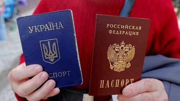 پوتین قانون صدور گذرنامه روسیه به ساکنان مناطق تحت کنترل شورشیان اوکراین را امضاء کرد