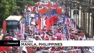 Duterte-ellenes felvonulás május 1-jén a Fülöp-szigeteken