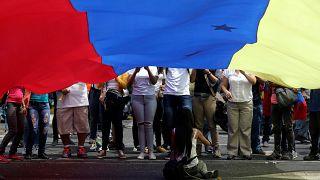روز کارگر در ونزوئلا؛ هواداران مادور و گوایدو به خیابان آمدند