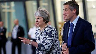 وزیر دفاع بریتانیا به اتهام درز اطلاعات درباره شرکت هواوی چین برکنار شد