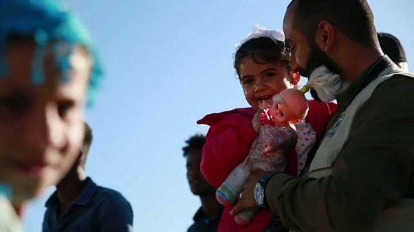 Itália resgata refugiados da Líbia