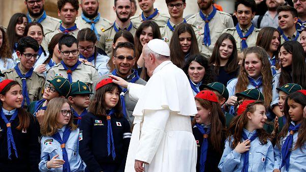 پاپ فرانسیس به بدعتگذاری در دین متهم شد