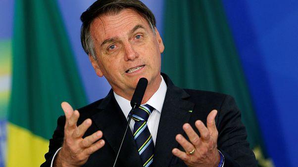 Bolsonaro apoia Guaidó mas nega intervenção militar na Venezuela