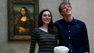 تنها زوج هنردوستی که شبی را در موزه لوور فرانسه سپری کردند