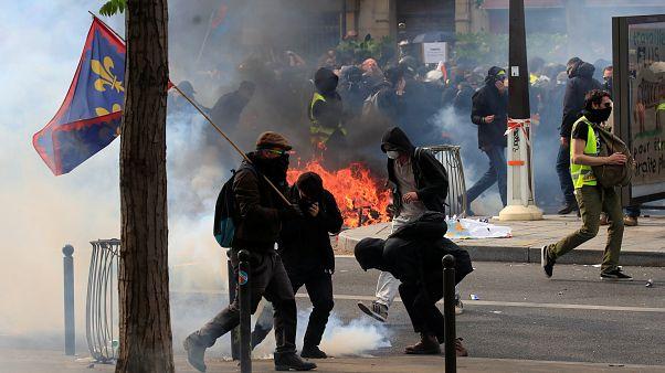 Παρίσι: Απόδοση ευθυνών για τα επεισόδια ανήμερα της Πρωτομαγιάς