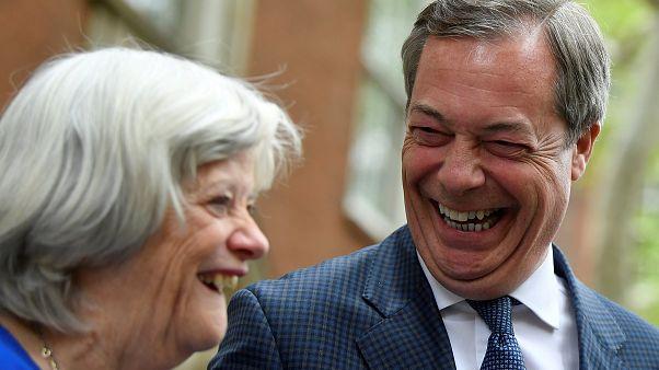 Eurocéticos lideram sondagens no Reino Unido