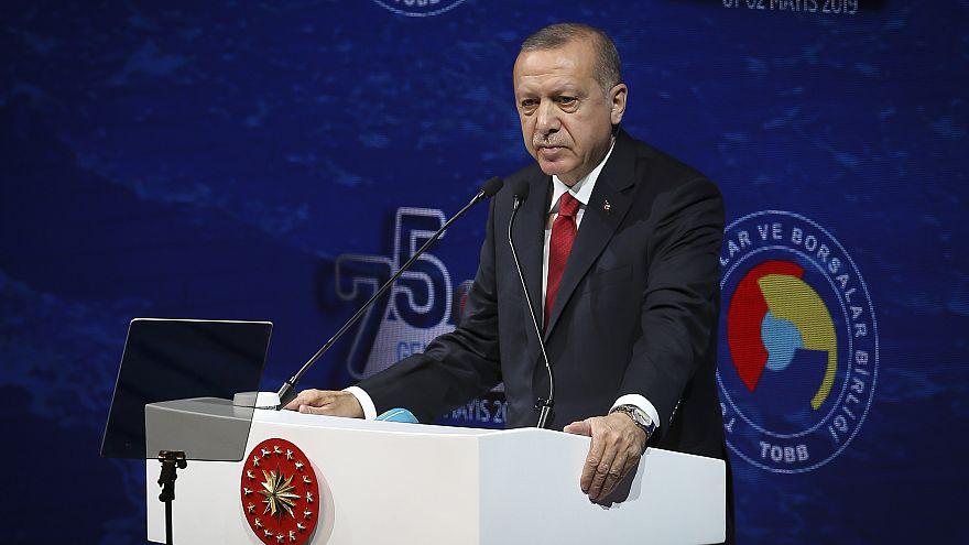 Cumhurbaşkanı Erdoğan: Birileri borçlanma rakamları üzerinden fırtına koparmaya çalışıyor