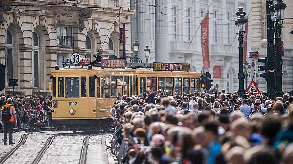 Video | Brüksel'de müzeden çıkarılan tramvaylar 150. yaş günlerinde nostalji yaşattı