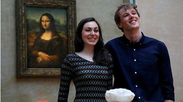 Una pareja gana el concurso Airbnb para pasar una noche en el museo del Louvre