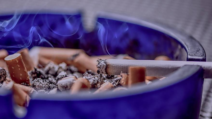 الآباء أيضا مطالبون بالإقلاع عن التدخين لسلامة الجنين