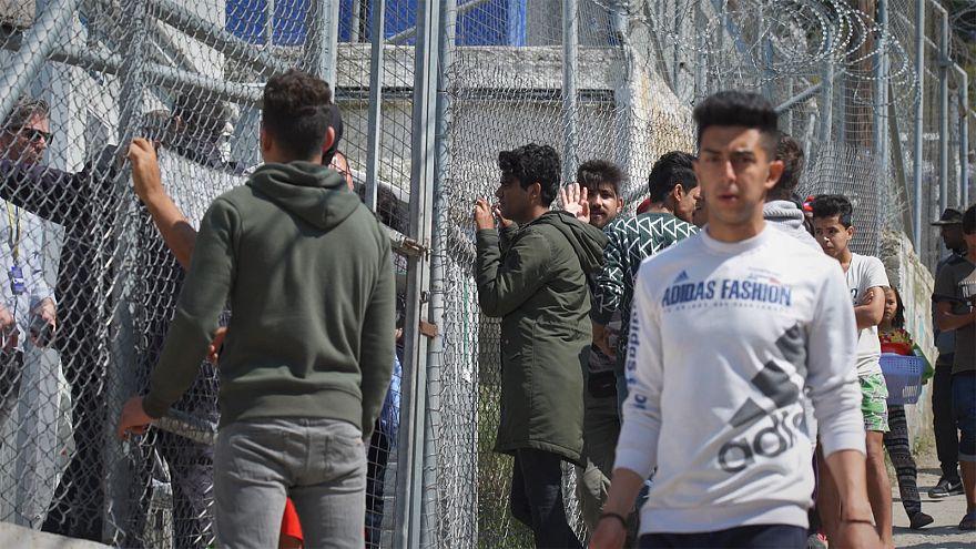 O sofrimento dos refugiados e dos gregos na ilha de Samos