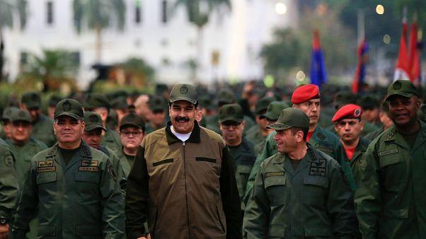 Incertidumbre en Venezuela: ¿Por qué Maduro no ha detenido a Guaidó todavía?